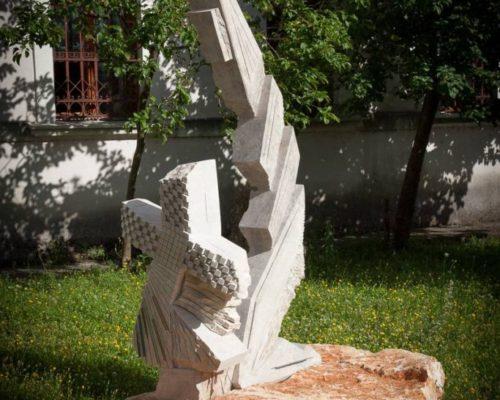 MAJKA KOJA MOLI velika skulptura 250 cm